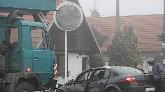Při dopravní nehodě ve Strakách se zranili dva lidé.