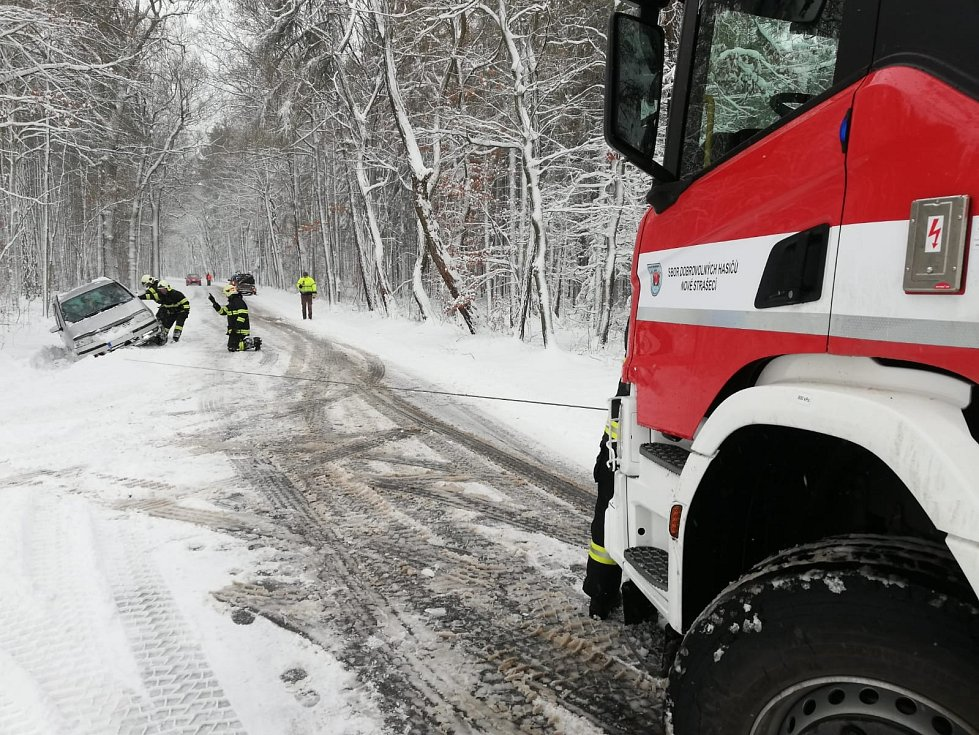 První únorovou neděli se středočeští hasiči takřka nezastavili.