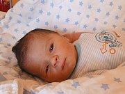 MIKULÁŠ LANDFELD se narodil 18. dubna 2018 ve 21.32 hodin s délkou 50 cm a váhou 2 960 g. Prvorozený kluk  byl dopředu prozrazen a radují se z něj rodiče Vendula a Petr z Velkých Chvalovic.