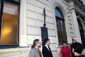 Připomínka obětí komunistických zločinů se konala u místní sokolovny.