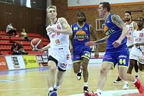 Z basketbalového utkání NBL Nymburk - Ústí nad Labem (101:74)