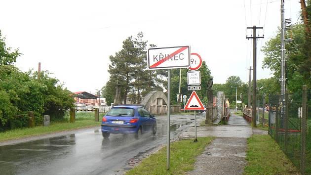 Železobetonový most z roku 1915 v Křinci.