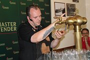 Nejlepší výčepní ze středních Čech soutěžili v Poděbradech v restauraci Náš hostinec o postup do finále soutěže Pilsner Urquell Master Bartender 2017.