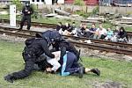 Policisté ze šesti evropských zemí cvičili zásahy v nymburském železničním depu.