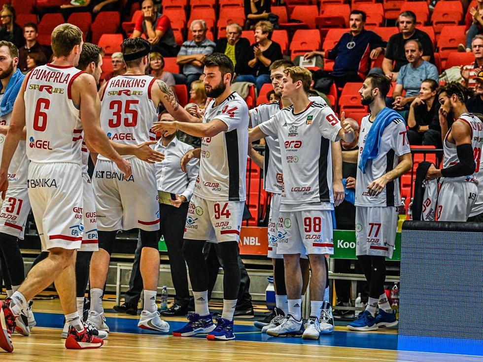 Z basketbalového utkání nejvyšší soutěže Nymburk - Opava (92:75). Ilustrační foto.