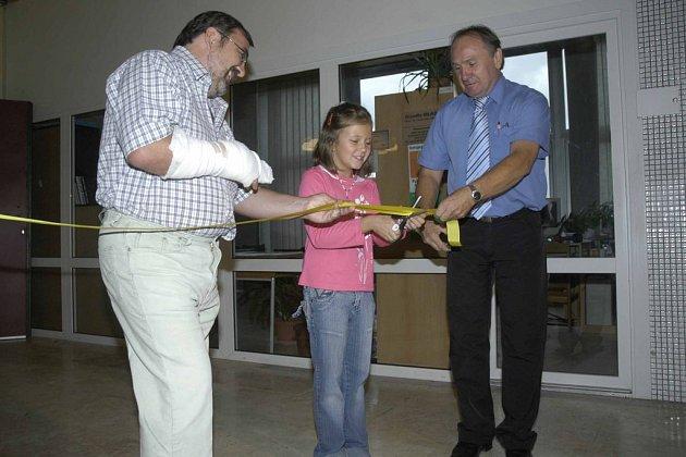 V pondělí v Milovicích otevřela první střední škola ve městě