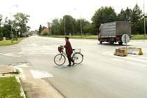 Křižovatka v Sadské dělá problémy