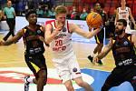 Z basketbalového utkání Ligy mistrů Nymburk - Keravnos. Foto: Tomáš Laš