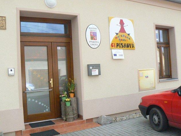 Mateřská škola Cipísková v Pískové Lhotě.