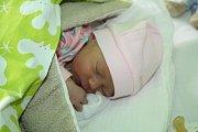 KLÁRKA JE Z LYSÉ. Klára NOVÁKOVÁ si zapíše do občanky datum narození 3. listopad 2015. Už tam ale nebude hodina: 3.04, ataky míry: 2 900 g a 47 cm.  Dcerce Petry a Petra vybral jméno bráška Adámek (3,5).