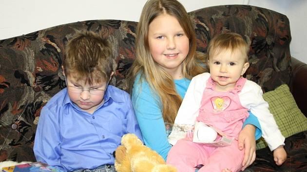 Miminko roku Magdalena Opolská se svými sourozenci.