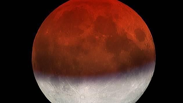 Simulační snímek maximální fáze zatmění Měsíce 16. července 2019.
