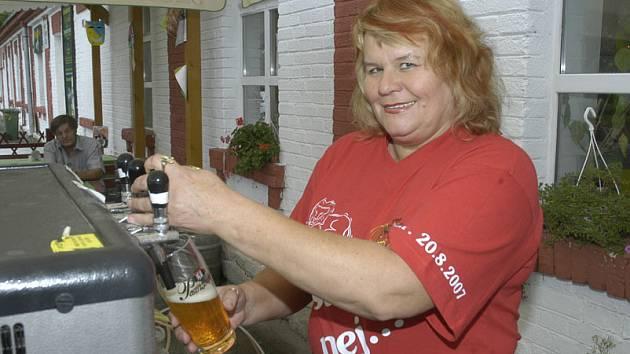 Majitelka restaurace U Jelínků paní Tamara Jelínková při této příležitosti oslavila své padesáté narozeniny.