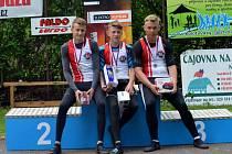 OVLÁDLI ZÁVOD. Kanoisté Lokomotivy Nymburk vyhráli závod C1 dorostenců. Zvítězil Petr Fuksa jr. (uprostřed), druhý byl Dan Kořínek (vlevo) a třetí Jakub Černý
