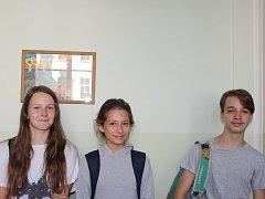 Radka a Kláry ze sekundy B čeká výuka matematiky v angličtině.