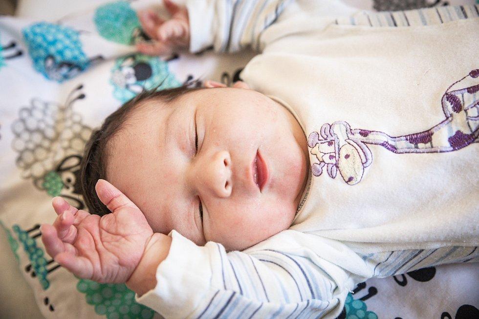 Pavel Král, Český Brod. Narodil se v nymburské nemocnici 18. září 2020 ve 14.13 hodin s váhou 4170 g a mírou 51 cm. Z chlapečka se radují rodiče Zuzana a Pavel a sestřička Nella (1 rok).