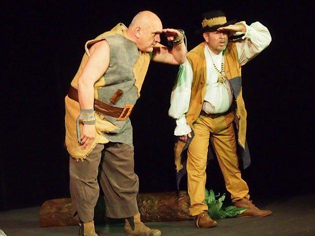 Divadelní spolek Vojan připravil pro nejmenší diváky premiéru Pohádek do hajan. Autorem předlohy je začínající mladý herec a režisér Tomáš Čivrný.
