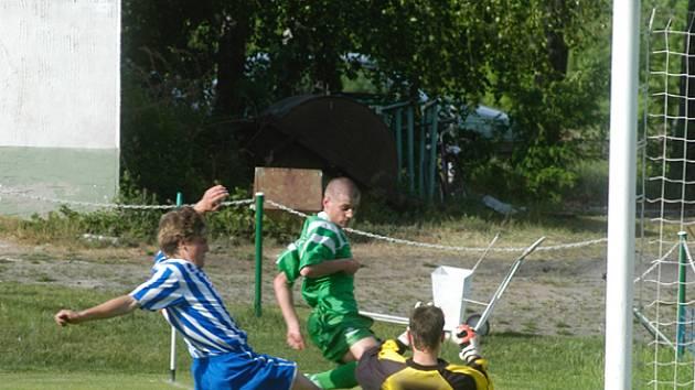 Protože Union postoupil z krajského přeboru do divize, letos si spolu nezahrají. Oba celky však mohou narazit na ligovou Mladou Boleslav ve druhém kole poháru ČMFS.