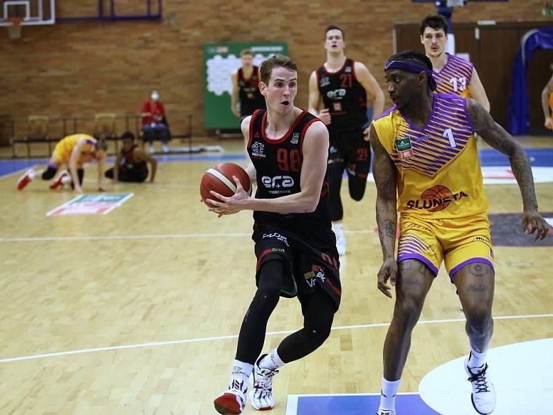 Z druhého utkání play off basketbalové Kooperativa NBL Nymburk - Sluneta Ústí nad Labem