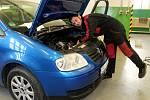Lukáš Holub se utká o titul nejlepšího Automechanika roku.