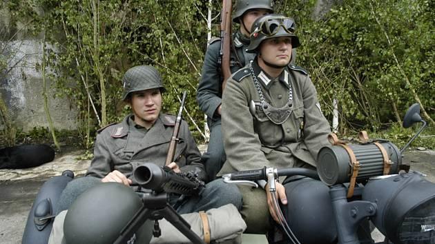 Mordova rokle začíná už dnes v bývalém vojenském prostoru v Milovicích.