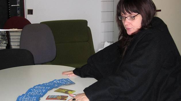Kartářka a vědma Magic Sharon.