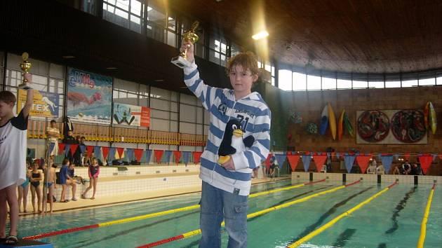 Nymburský plavec David Noll získal celkem čtyři cenné kovy