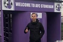 Na zkušenou. Mladý fotbalista z Nymburka Jan Blažíček studuje v Anglii, kde bude hrát za tým Stoneham