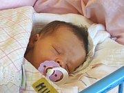 EMA Miklošinová se narodila ve středu 20. prosince 2017 v 15.13 hodin s mírami 48 cm a 2 980 g. Petře a Petrovi a Nikolce (9) z Kostomlat n. Labem.