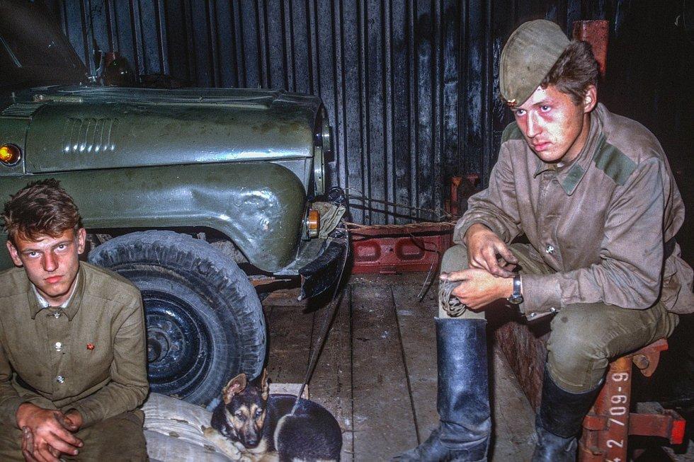 Zajet se podívat na originální záběry přibližující odsun sovětských vojsk z tehdejšího Československa i co (z)bylo pak, mohou středočeští zájemci do Prahy.