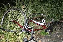 Bicykl sraženého muže u přejezdu