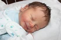 RICHARD JE NOVÝ BRÁCHA PATRIKA. Richard Hospodka se mamince Marcele a tátovi Davidovi z Nymburka narodil 13. února v 11.38 hodin. Vážil 3 150 g a měřil 49 cm. Je druhým miminkem v rodině, na které se těšil tříletý Patrik.