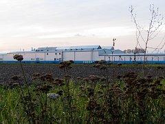 Problém s pitnou vodou v Lysé zřejmě vyřeší artéská studna v Kovoně (na snímku).