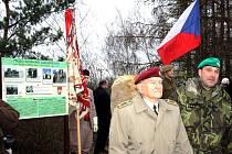 Oslava 70 let seskoku parašutistů Gabčíka a Kubiše u Nehvizd