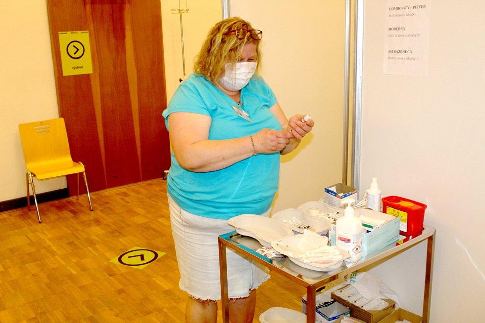 Zdravotní sestra Jana Nedorostová.