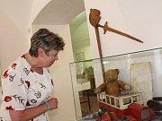 Ve Vlastivědném muzeu v Nymburce probíhá výstava starých hraček z muzejních fondů i soukromých sbírek.