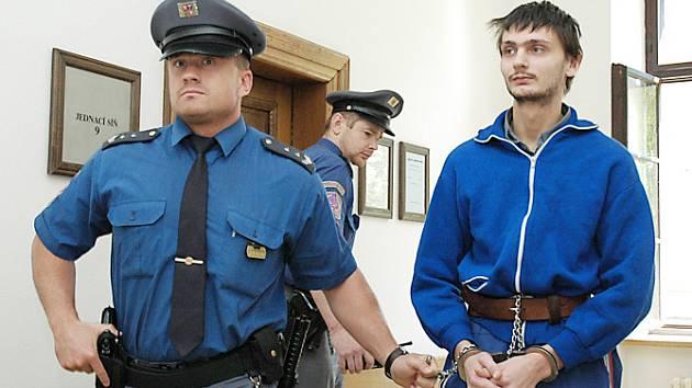 K vraždě se Milan Kypta původně přiznal – před soudem ale vinu popírá.