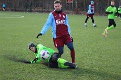 Fotbalisté Ostré (v zeleném) porazili v dalším přípravném utkání poděbradskou Bohemii 3:1