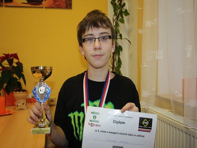 Mladý šachista Adam Vacek