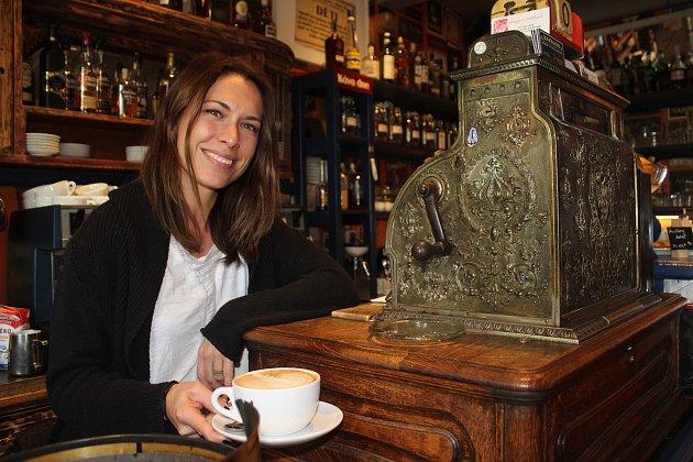Mít svoji kavárnu byl můj sen od osmnácti. Irena Iris Mertová: jóga je moje záchranná brzda vpříliš rozjetém vlaku