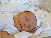 EDUARD Maxa se narodil Elišce a Martinovi z Prahy v neděli 17. prosince 2017 ve 13.45 hodin s mírami 50 cm a 3 400 g jako prvorozený.