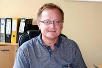 Dosavadní i budoucí ředitel Základní a mateřské školy Komenského v Nymburce Tomáš Danzer.