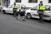 Ve čtvrtek po třetí hodině odpolední se stala v Jiráskově ulici v Poděbradech dopravní nehoda, při níž řidič srazil cyklistku.