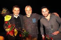 Dva herci a jeden režisér zavítali na oslavy výročí libického divadelního souboru.