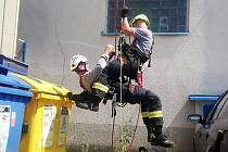 Odborná příprava nymburských drážních hasičů.
