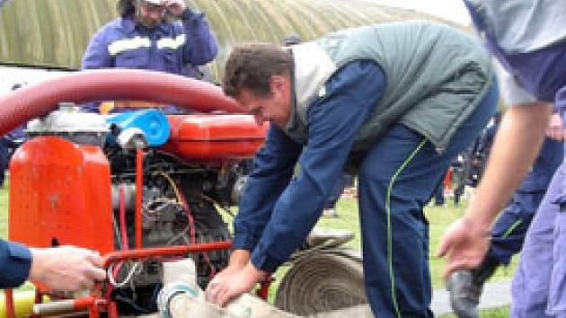 V Pňově v sobotu soutěžili dobrovolní  hasiči z širokého okolí.