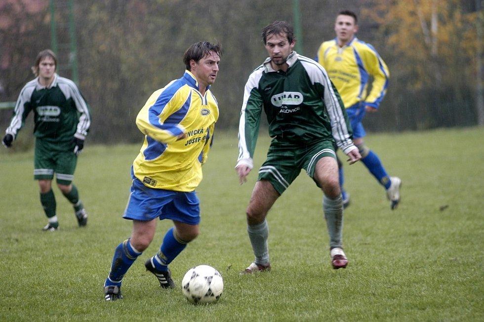 Zbyněk Vodvářka (s míčem) hájil mnoho sezon barvy Sokolče