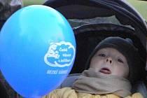 Obyvatelé Nymburka se podíleli na vytvoření rekordu v počtu vypuštěných balónkuů.