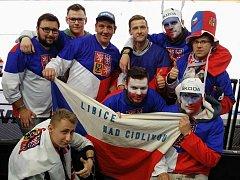 Fanoušci z Libice nad Cidlinou na utkání ČR:Bělorusko (Paříž, AccorHotels Arena).