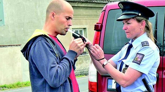 Řidiči mohou v těchto dnech očekávat policejní kontroly doslova na každém rohu.